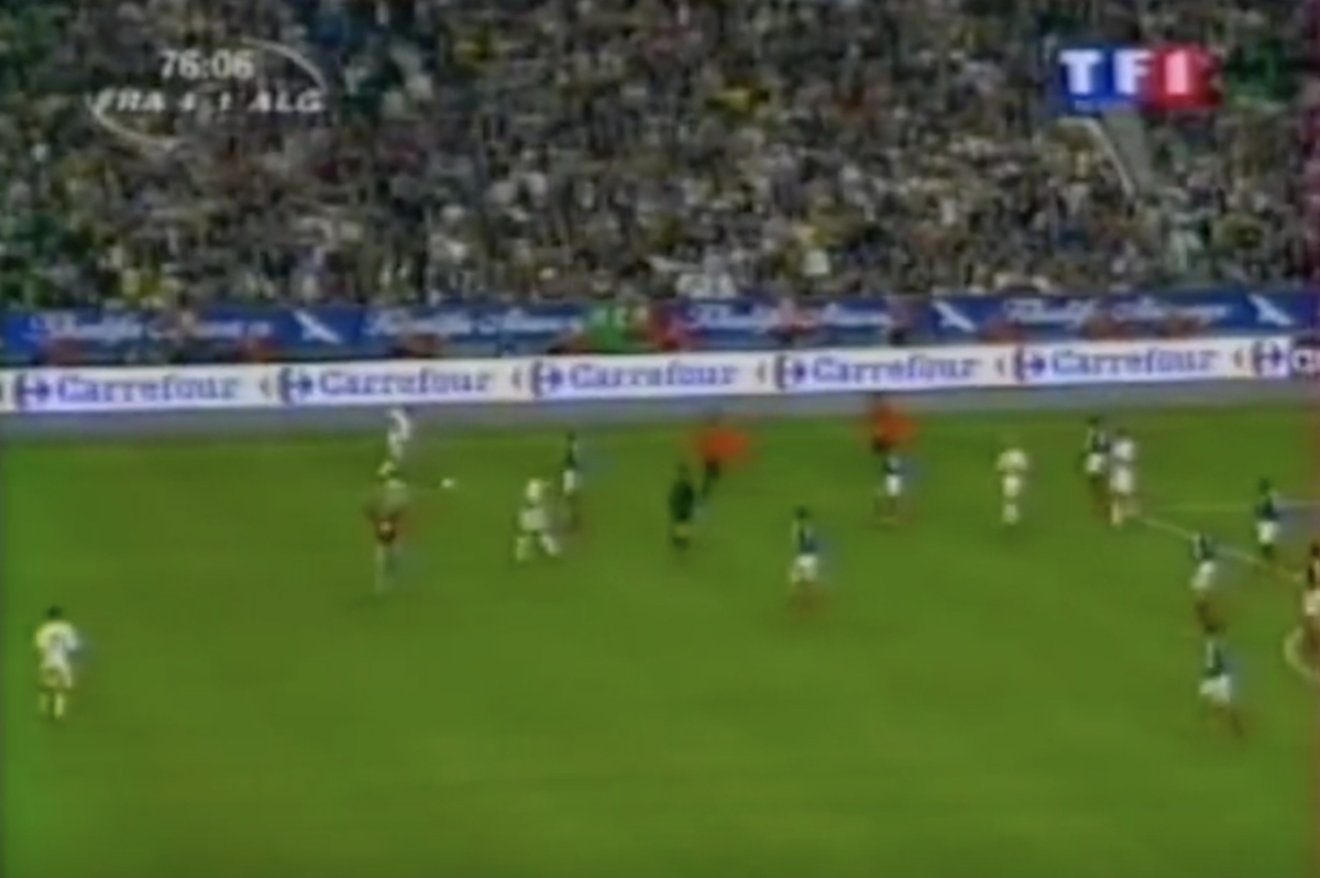 2001 (October 6) France 4-Algeria 1 (Friendly).avi - YouTube 2018-07-10 06-14-07.jpg